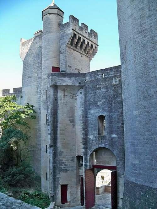Tarascon  (Bouches du Rhône)