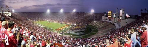 Dans 2 mois: L.A Memorial Coliseum …