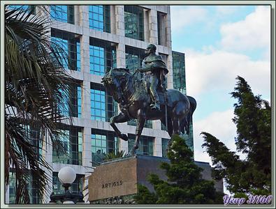 Visite rapide de la belle ville de Montevideo avec quelques exemples architecturaux - Uruguay