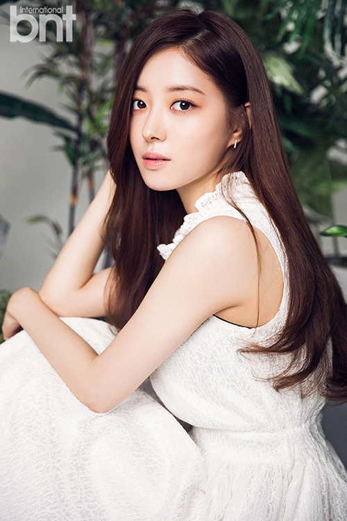Lee Se Young pour Bnt International