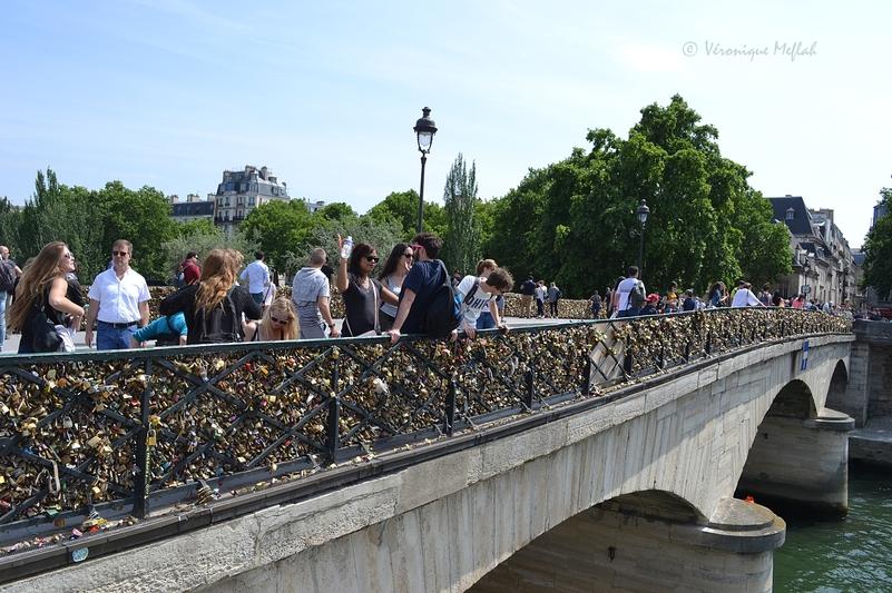 L'île de la Cité : Pont de l'Archevêché