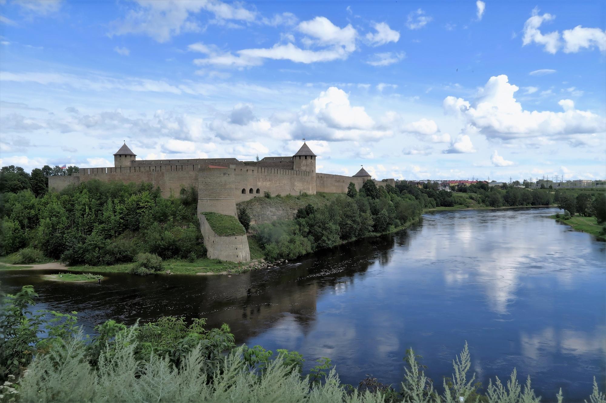 NARVA (EE) Forteresse Russe d'Ivangorod