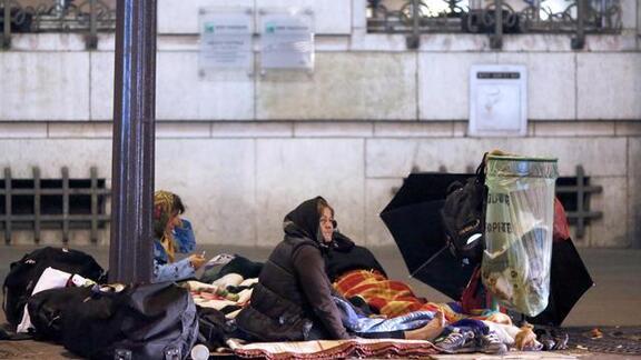 """Résultat de recherche d'images pour """"clauchard sans abris dans paris"""""""