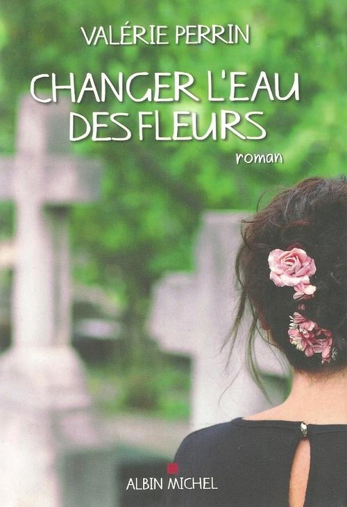 Changer l'eau des fleurs..