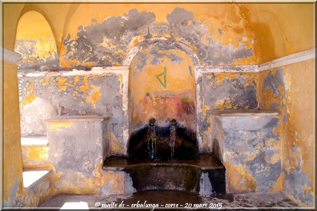 Fontaine - Dans les rues d'Erbalunga - Corse