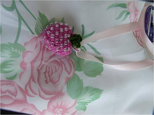 Fraise-coton-et-perles--2-.jpg