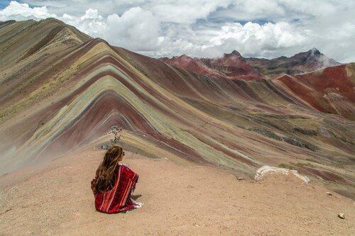 La montagne aux couleurs de l'arc en ciel