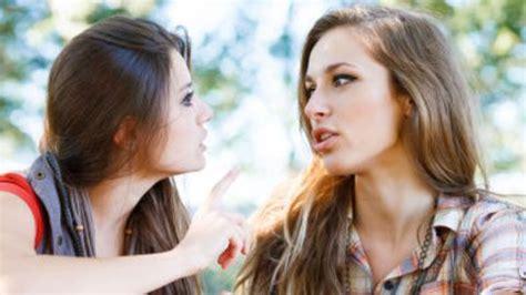 Amitié: relations entre amis - L'Express Styles