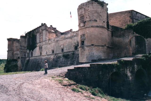 Blog de sylviebernard-art-bouteville : sylviebernard-art-bouteville, Rénovation du Château de Bouteville (2009).