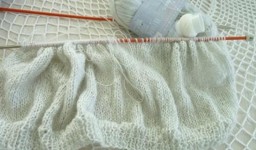 Avancée de mon pull gris perle (1)