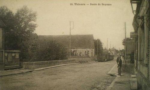 Le tramway à Thivars