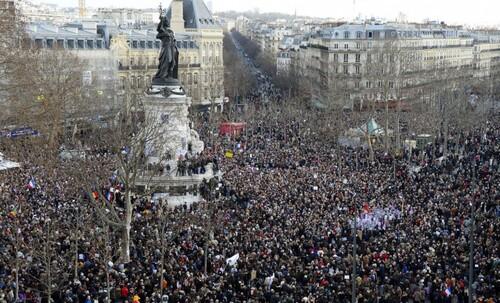 Construire une nouvelle République démocratique, écologique et sociale