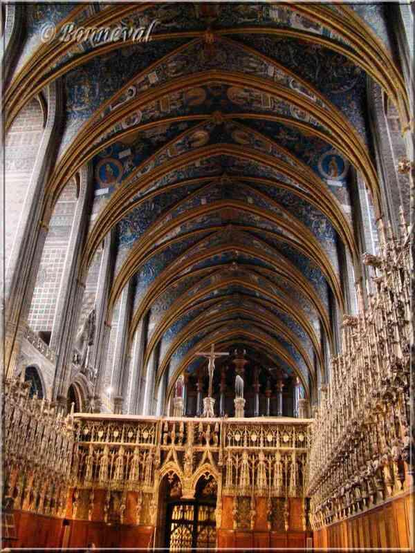 Cathédrale Sainte-Cécile d'Albi stalles dans le choeur à l'intérieur du Jubé