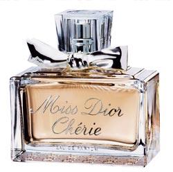 Les Parfums série 1