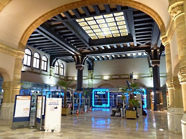 Gare de Metz Hall Départ - 29 05 10 - 10