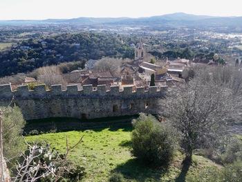 Les remparts vus depuis le château