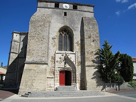 église St Pierre de chéffois (3)