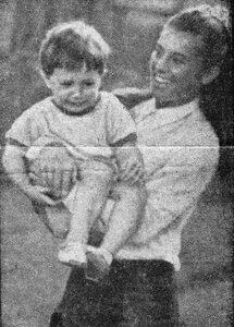 Juin 1967 : SCOOP / Sheila et son fils !!!