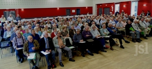 Sanvignes-les-Mines (Saône-et-Loire). - Le comité local de la FNACA a accueilli un conseil départemental. 200 délégués réunis