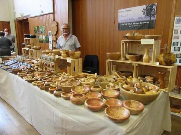 """Une belle exposition sur """"le bois dans tous ses états"""" à Aignay le Duc, a eu beaucoup de succès ..."""