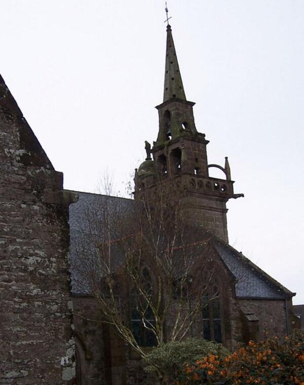 Plouézoc'h et son église
