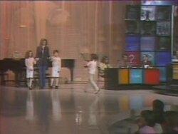 24 avril 1977 / CES MESSIEURS NOUS DISENT