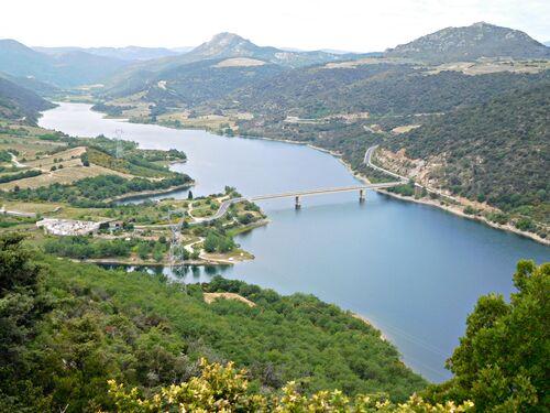 * CARAMANY lac et barrage de l'Agly