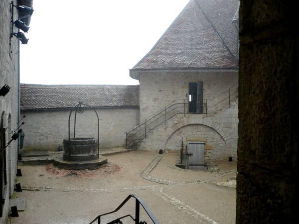 Chateau-Joux-20.jpg