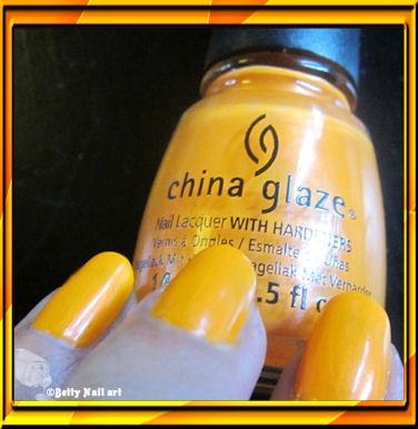 Swatch China Glaze Orange Hot You ?