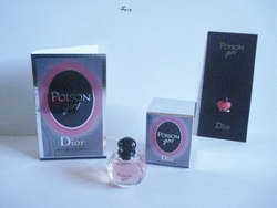 POISON GIRL miniature tube et bijou de portable