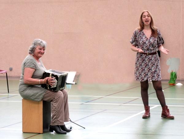Quatre classes d'écoles  maternelles  du Pays Châtillonnais ont chanté les Zanimos....