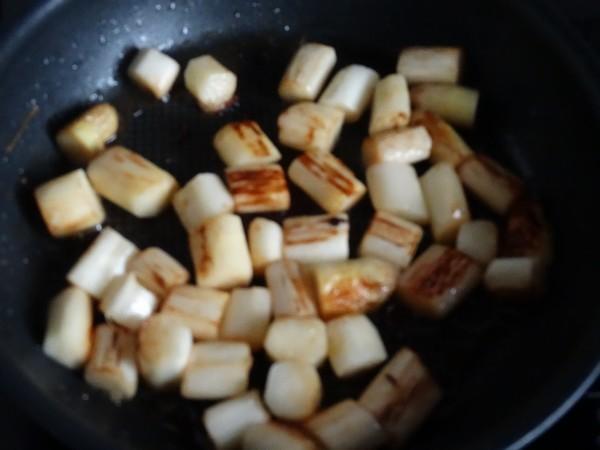 Pâtes aux asperges grillées et à la crème d'avocat...