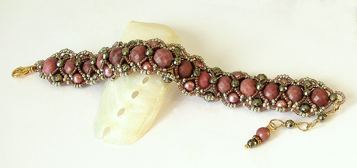 Bracelet tissé, Pierres Rhodochrosite, Pyrite, Perles d'eau douce / Laiton plaqué or
