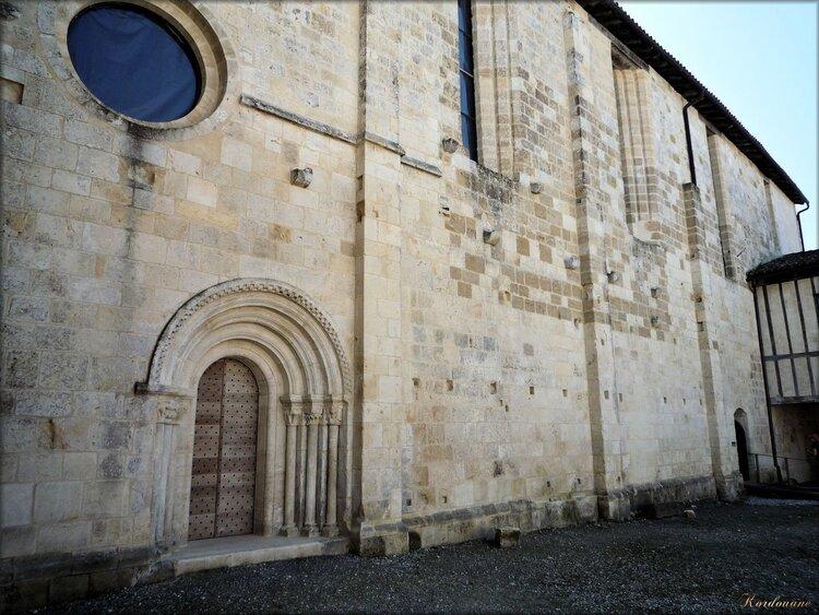 Photo de l'église côté cloître (Abbaye d'Arthous)