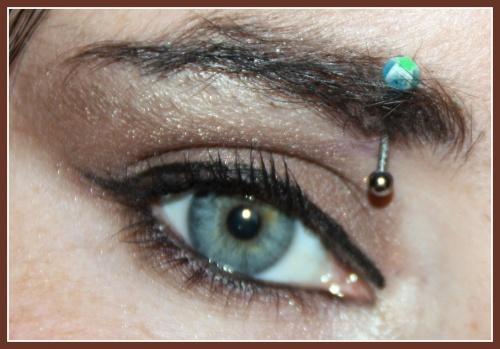 Nat : le marron parfait pour les yeux bleus?