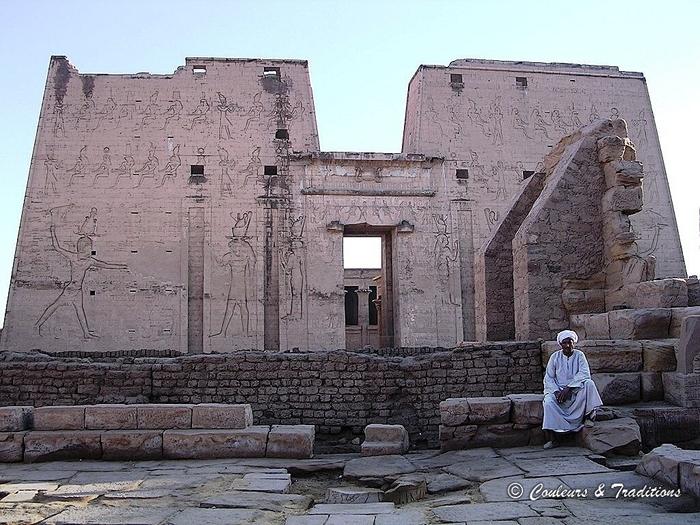 Le temple d' Edfou, temple d'Horus