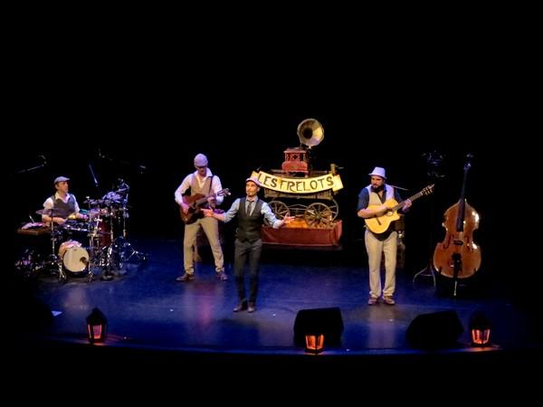 """""""Les Frelots"""" ont ravi les personnes de plus de 60 ans du territoire au Théâtre Gaston Bernard"""