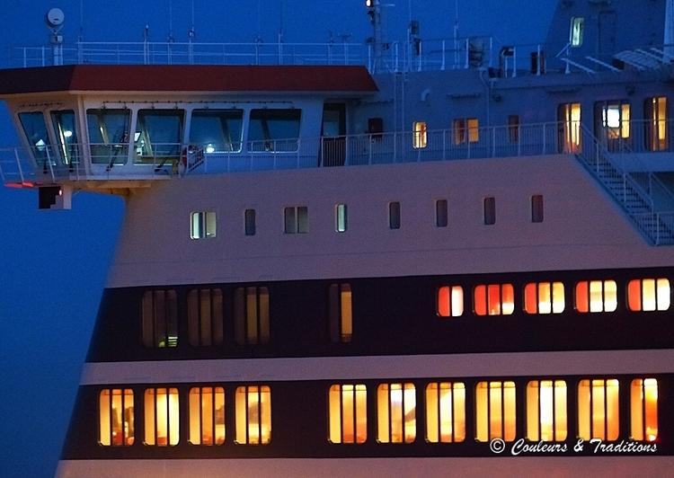 Le port de Douvres de nuit