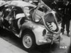Aujourd'hui on entend souvent parler de voitures piégées des terroristes de l'Etat islamique... mais le 10 mars 1962 c'était une voiture piégée des terrosristes de l'OAS