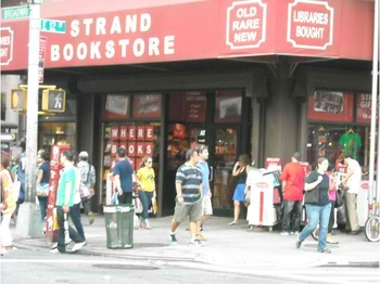 5918910-The_bookstore_of_all_bookstores_New_York_City