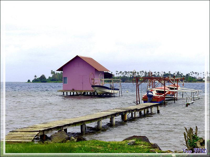 """Baie Vairahi à la """"Cabane parme"""" et la Pointe Utufara - Avera - Raiatea - Polynésie française"""