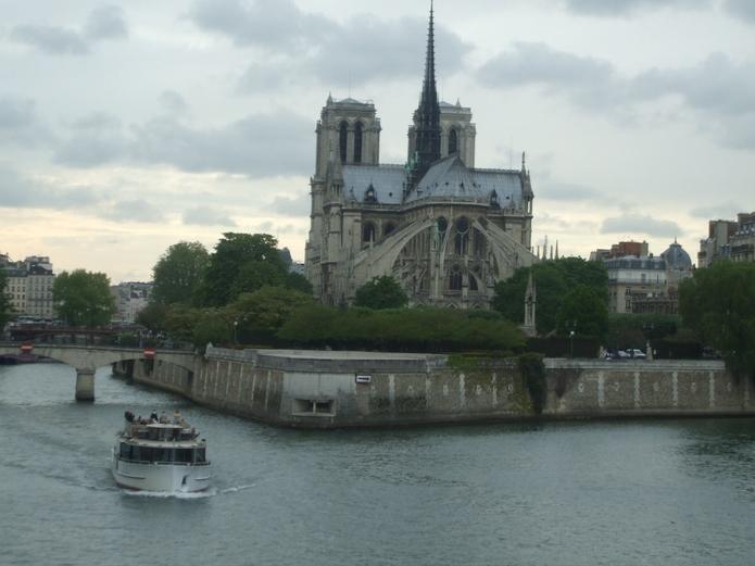 Paris - Hommage A Notre Dame, Vue De La Seine