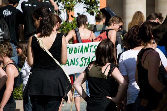 Les étudiants de l'université de Leipzig s'élèvent contre un professeur de droite
