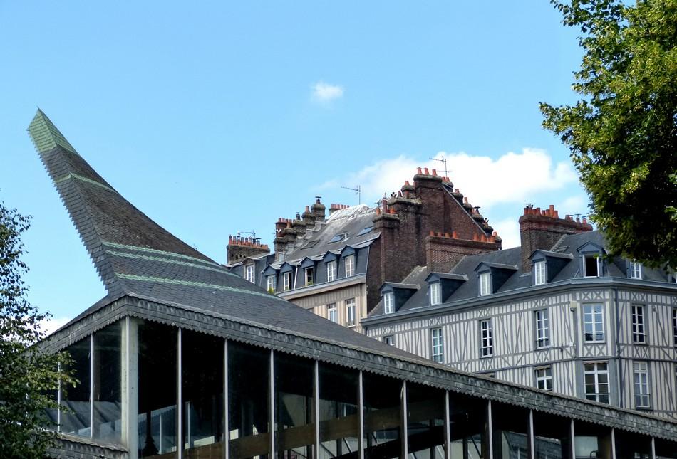 ROUEN, Place Historique du Vieux Marché