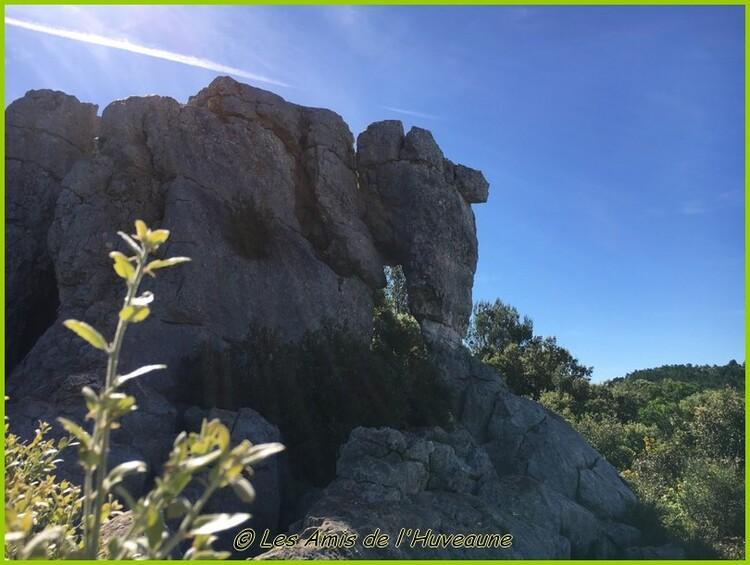 Balade du mois de mai 2017, l'éléphant de pierre du Siou Blanc