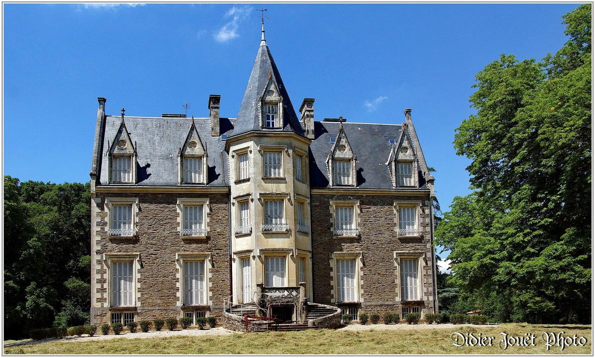 (85) Vendée - Les Essarts (5) - Le château du XIX°