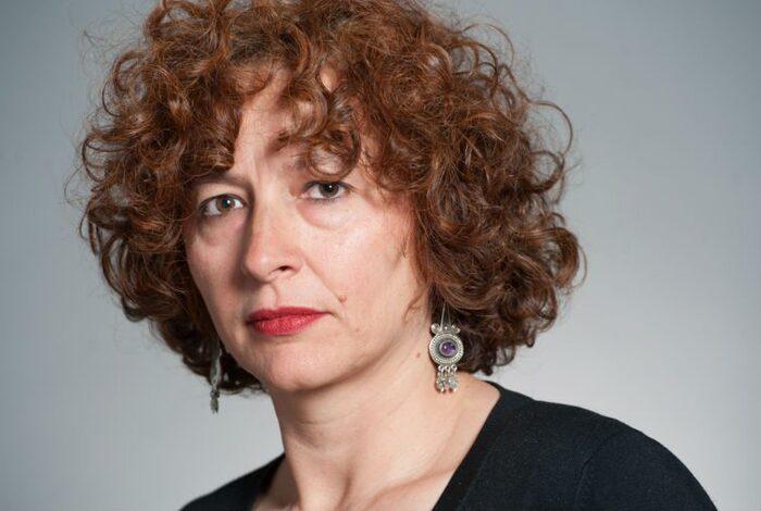« Tes cheveux démêlés cachent une guerre de sept ans » : trois femmes dans la Guerre d'Algérie