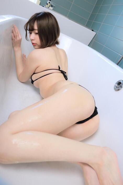 Digital Photobooks : ( [Kindle版] - |2020.04.24| Yui Kohinata/小日向結衣 : 『Bath time。』216 pics )