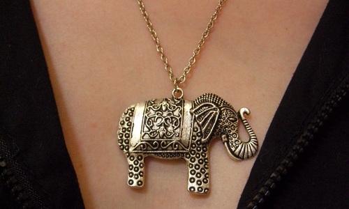 Sautoir éléphant