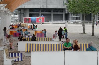 La vie sociale des petits espaces urbains (16) : les espaces pour s'assoir